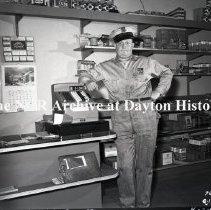 Image of NCR.1998.0811.015 - Safety Negative - Service Station - Radle's Service Station - Houston, TX - April 7, 1952