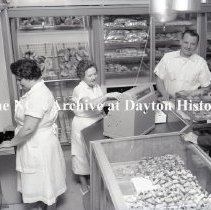 Image of NCR.1998.0816.075 - Safety Negative - Bakery - Mazur's Bakery - Lyndhurst, NJ - April 15, 1964