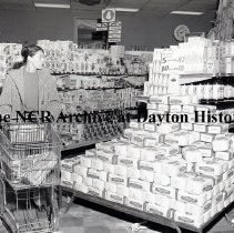 Image of Dorothy Lane Market - Interior - Dayton, OH - October 21, 1957