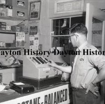 Image of NCR.1998.0834.261 - Film Negative - Service Stations - Leidigh Service Station, Cashier, Cedar Rapids, IA, July 28, 1955