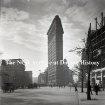 Image of NCR.1998.1086.003 - Glass Plate - Common & Misc - Flat Iron Bldg - New York, NY