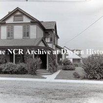 Image of NCR.1998.1121.001 - Negative, Glass-plate - Landscape Gardening - Mr. Granel - 239 Kiefaber St - Dayton, OH - August 16, 1912