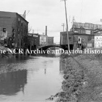 Image of Canal south of 5th St.- Dayton March 22, 1911