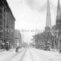 Image of Ludlow St. between 3rd & 4th St., Dayton, OH May 15, 1913