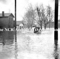Image of NCR.1998.CD21.36 - Glass negative - Flood -North end of Williams St., Dayton, OH  1913