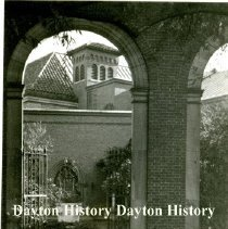 Image of P.1972.04.10 - Photograph - Dayton Art Institute, Archway and Gate - Dayton, OH - Nov., 1946 For more images on this particular topic, please contact Dayton History.