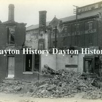 Image of 1913 Flood, Dayton OH - Residence on east side of St. Clair north of 5th St
