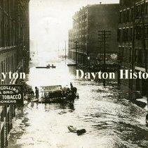 Image of P.1993.20.01 - Print, Photographic - 1913 Flood - Cincinnati, OH - Flood water in street Stamp on back: George Grantham Barn