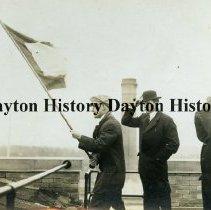 Image of P.1993.20.17 - Print, Photographic - 1913 Flood - Dayton, OH - Signalling from cash register building Stamp on back: George Grantham Barn