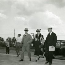 Image of P.2005.33.1178 - Photograph - Wright Memorial - Dedication ceremony, left to right: Orville Wright, Edith Deeds, Colonel Edward A. Deeds, Dayton, OH August 19, 1940