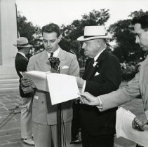 Image of P.2005.33.1179 - Photograph - Wright Memorial - Dedication ceremony, James M. Cox at microphone, Dayton, OH August 19, 1940