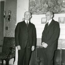 Image of P.2005.33.1262 - Photograph - Orville Wright and Henry Ford, 35th Anniversary of Flight, Dayton, OH December 17, 1938