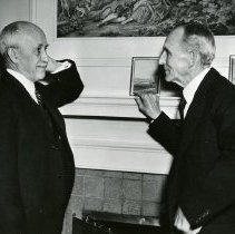 Image of P.2005.33.1263 - Photograph - Orville Wright and Henry Ford, 35th Anniversary of Flight, Dayton, OH December 17, 1938