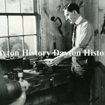 Image of P.2008.54.0517 - Photographic Print - Posed shot of Charles F. Kettering in a workshop setting, Dayton, OH, 1912