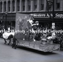 Image of P.2012.50.02450 - Glass-Plate Negative - Rike's Parade 1934