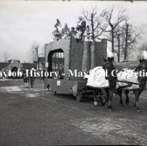 Image of P.2012.50.18524 - Negative, Film - Rike's - Horse Drawn Parade Wagon, Dayton, Ohio - no date