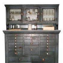 Image of 1964.300.1 - Cabinet, Dental