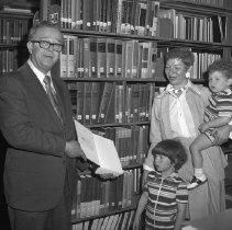 Image of E. Milton Stern Memorial Library Dedication (Dean Howell)