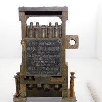 Image of FIC09.15.38 - Dental Press, Crown Shell