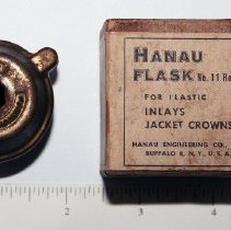 Image of FIC09.16.133 - Flask, Plastic inlays & Crowns