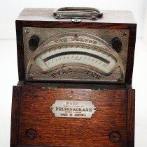 Image of FIC09.16.220 - Pyrometer, Pelton