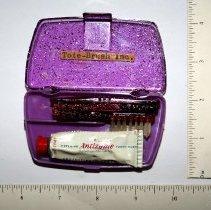 "Image of FIC10.4.37 - Toothbrush, ""Tote-Brush"""