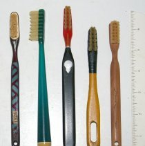 Image of FIC10.4.67 - Toothbrushes (5)