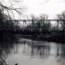 Image of Cross view of Cheshire Road bridge over Alum Creek