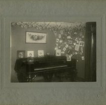 Image of Wachter House Interior - Full Image