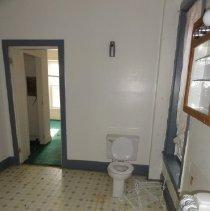 Image of Second Floor Bathroom