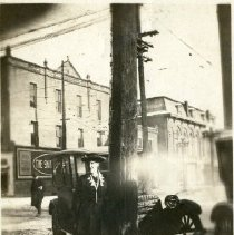 Image of 1920s Winter accident on Sandusky St Stella