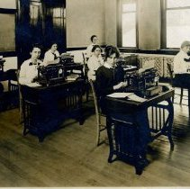Image of Typing class at Delaware High School. -