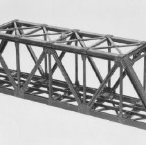 "Image of American Flyer HO ""Truss Bridge"" - American Flyer HO truss bridge with red warning light.  Catalog # 35208.  Also available as a kit, catalog # 35272.