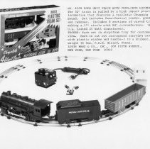 Image of Louis Marx & Co. 4-Unit Train w. Chug Chug Locomotive - Marx 027 #4209 4-unit train set w. chug chug locomotive.  #490 Penn Central loco with chug sound, Penn Central tender, NYC gondola and PC caboose.  Also included were a #309 25 watt transformer and eight pieces of 027 track.