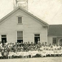 Image of P25131 - PHOTO- Jamestown School, May 28, 1909