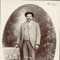 Image of TP1783 - Portrait-Man not identified