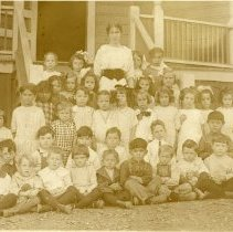 Image of TP2089 - Group-Tuolumne School, 1st Grade, 1914-1915, teacher Lucie Gibson Trott second class. 