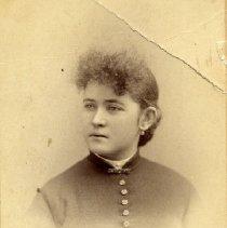 Image of TP2536 - Portrait-woman-not identified