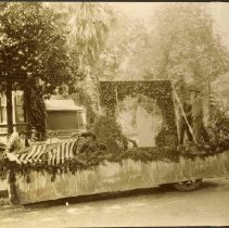 Image of TP454 - Parade-Float- Companions of the Forest and American Foresters of America, July 4, 1925.