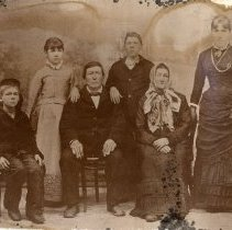 Image of TP572 - Portrait Group Not identified. Circa 1890's.