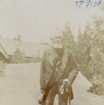Image of TP9138 - Portrait- elderly gentleman with cane. Not identified. 