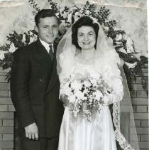 Image of TP15633 - A black and white wedding photo. Bride Lois Silva? and groom unidentified. Photo from the Union Democrat files 1990.