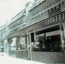Image of Vernon's Deli 30th St in North Park  1946-1964