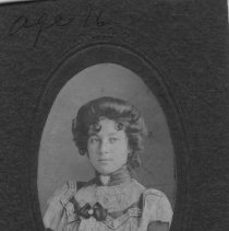 Image of Edith Tepper (Naiman) 1900, age 16