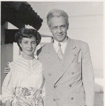 Image of Marilyn Smith with her uncle, Judge Philip Smith, 1950