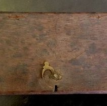 Image of Scale and weights, box lid with heart pattern