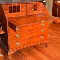 Image of 83.1.8 - Desk