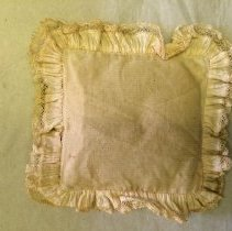 Image of FIC.2014.493 AB - Pillow