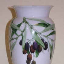 Image of C07.530 - Vase painted by Celia Thaxter