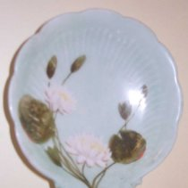 Image of C07.535.1-2 - Pair of candy dishes painted by Celia Thaxter